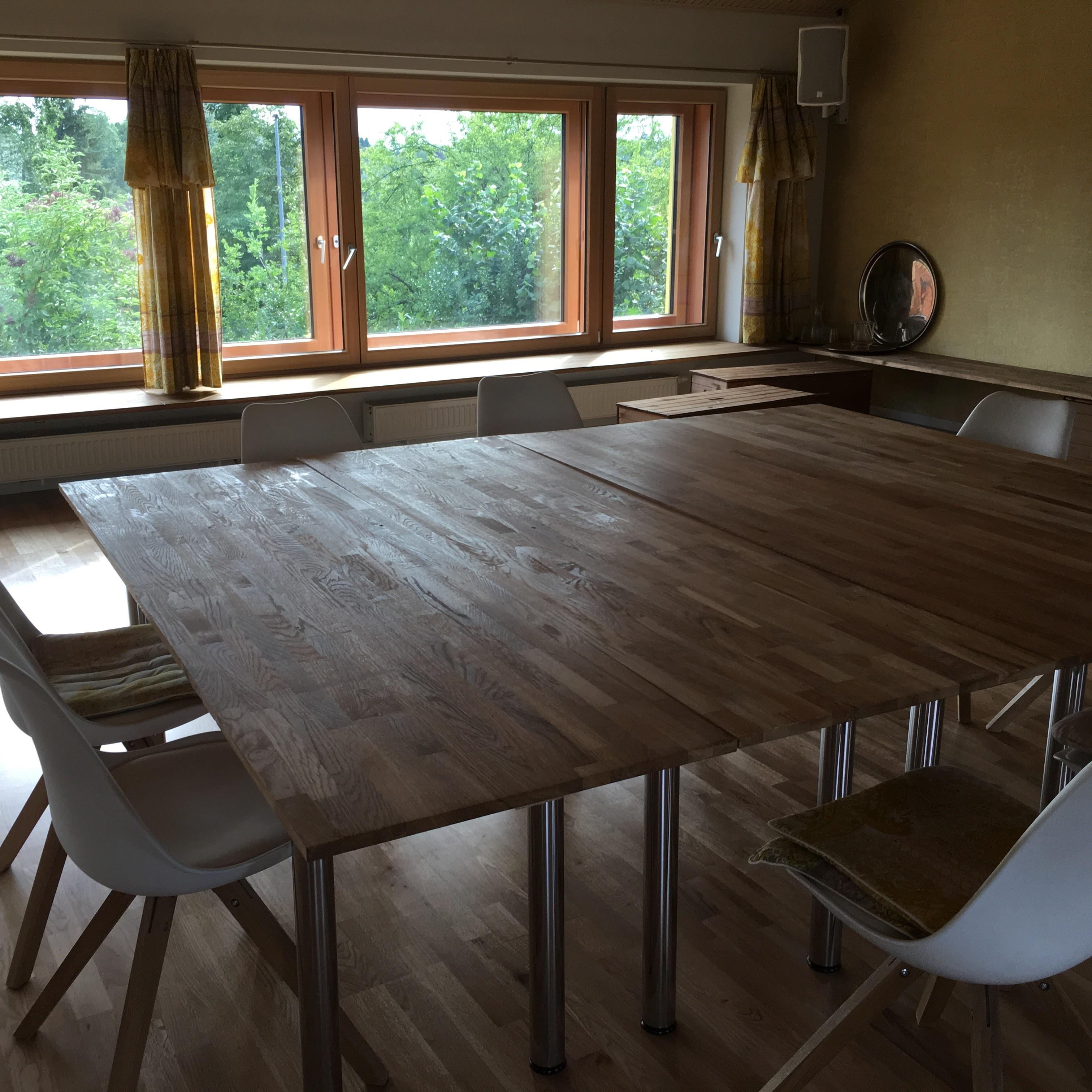 T-Raum Tische von oben